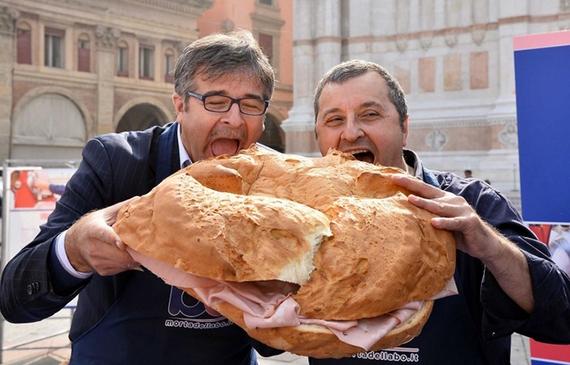 mortadella panino 570